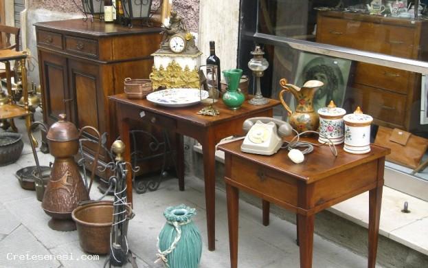 Mercatino antiquario crete senesi - Mercatino dei mobili usati ...